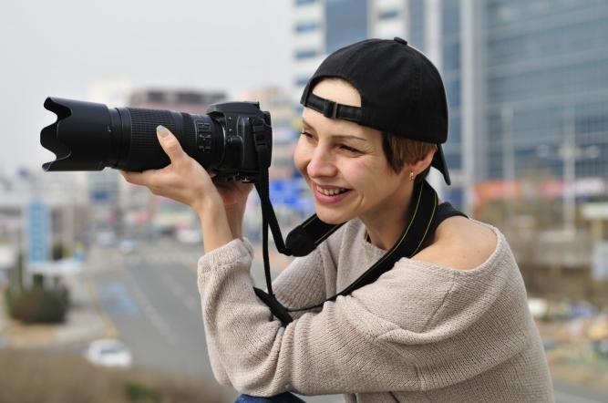 cap camera girl